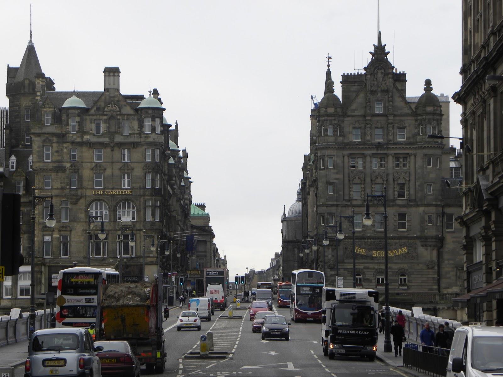 rua-em-edimburgo-escócia