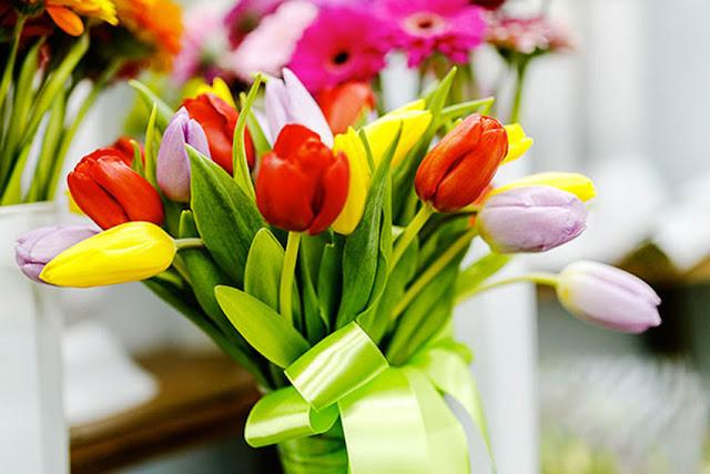 Что подарить женщине на 8 марта?