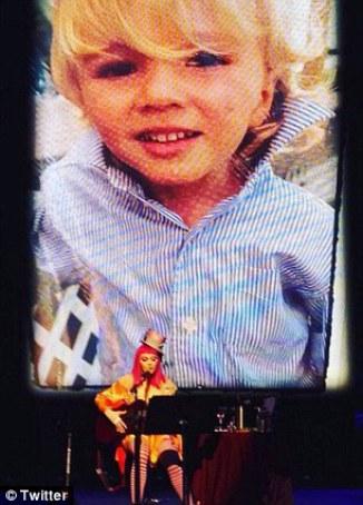 Madonna no asistió a la audiencia para la custodia de su hijo debido a su tour.