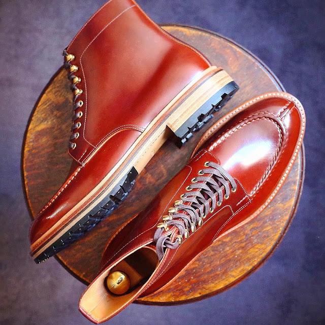 Models of winter men's shoes.