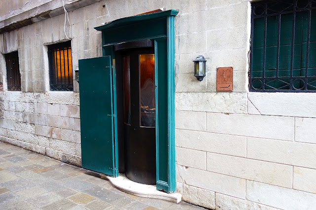 1. babybox byl v Benátkách