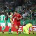 Bayern sofre apagão, leva dois gols em um minuto, mas bate o Werder e vai à final da Copa da Alemanha