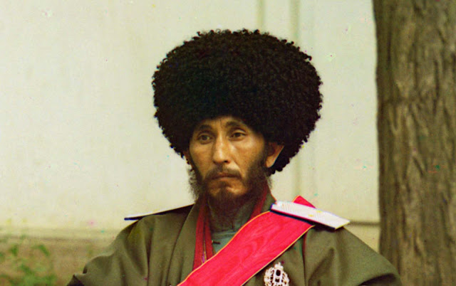 A closer detail view of Isfandiyar, Khan of the Russian protectorate of Khorezm. This photo would have been taken near the start of his reign in 1910, when he was 39 years old. He ruled Khorezm until his death in 1918.