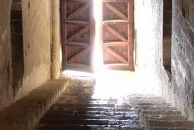 Castillo Loarre, escalera