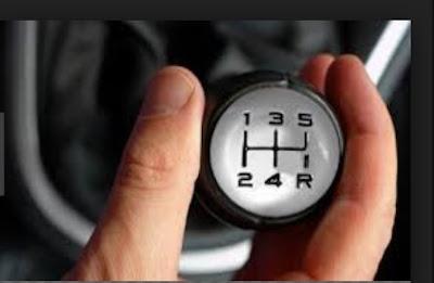 cara mengemudi mobil manual