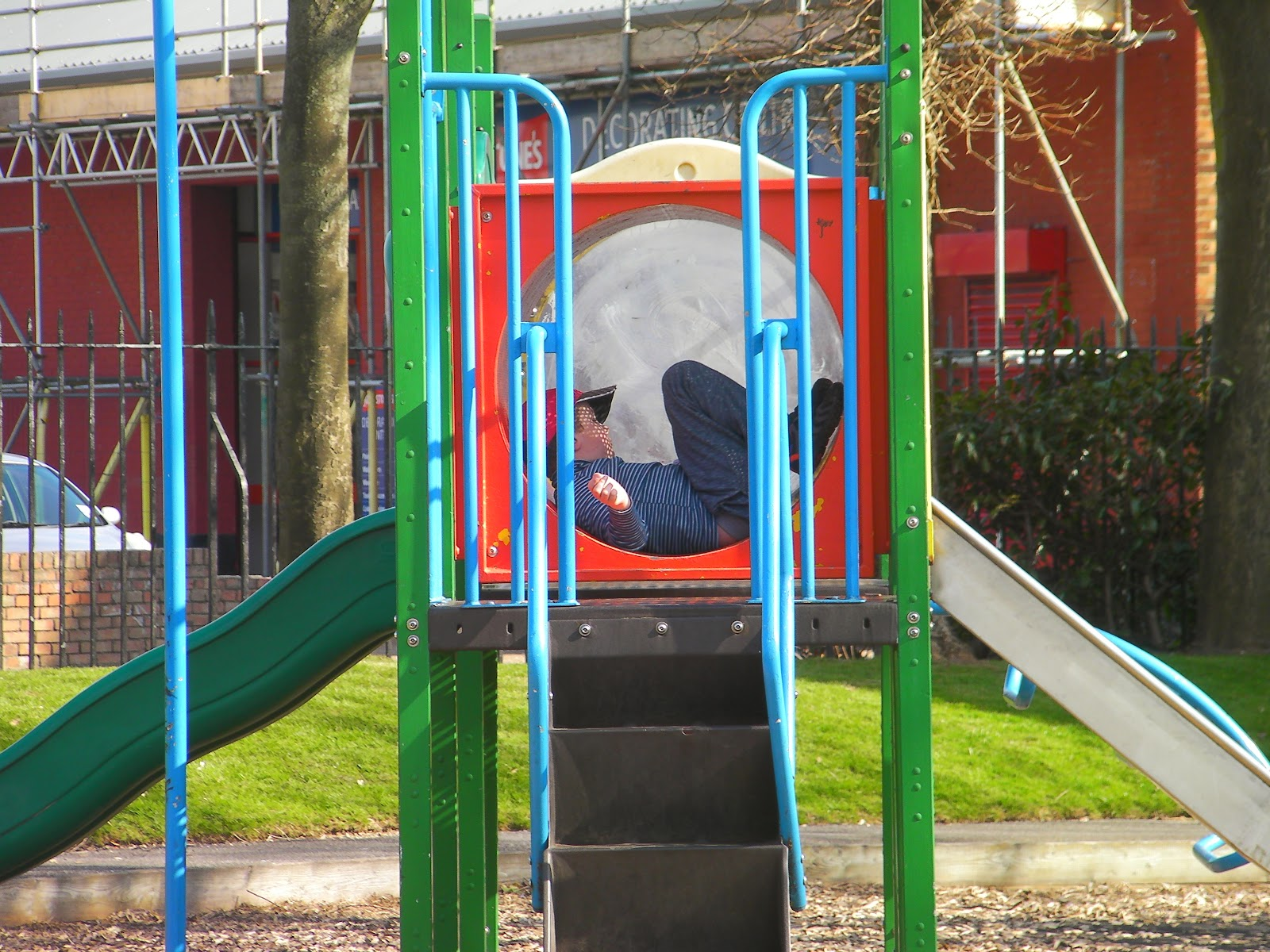 orchard road play area southsea opposite bishops paint and fratton railway station