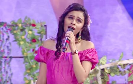 Aravind & Pragathi's nostalgic medley performance at Mirchi music awards 2015