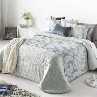 Colcha Bouti modelo Ainara color Azul de Antilo Textil