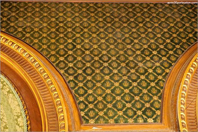 Decoraciones de Cuero Español y Oro en la Biblioteca de la Mansión The Breakers, Newport