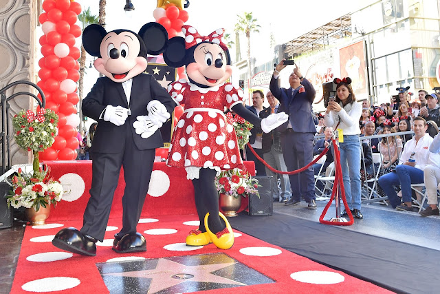 Minnie Mouse Received STAR On #Hollywood #WalkOfFame For Her 90th Anniversary @Disney #DisneyAfrica