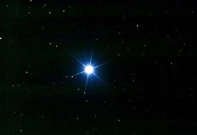 Un somni d'Einstein es fa realitat: pesar tot un estel amb la gravetat
