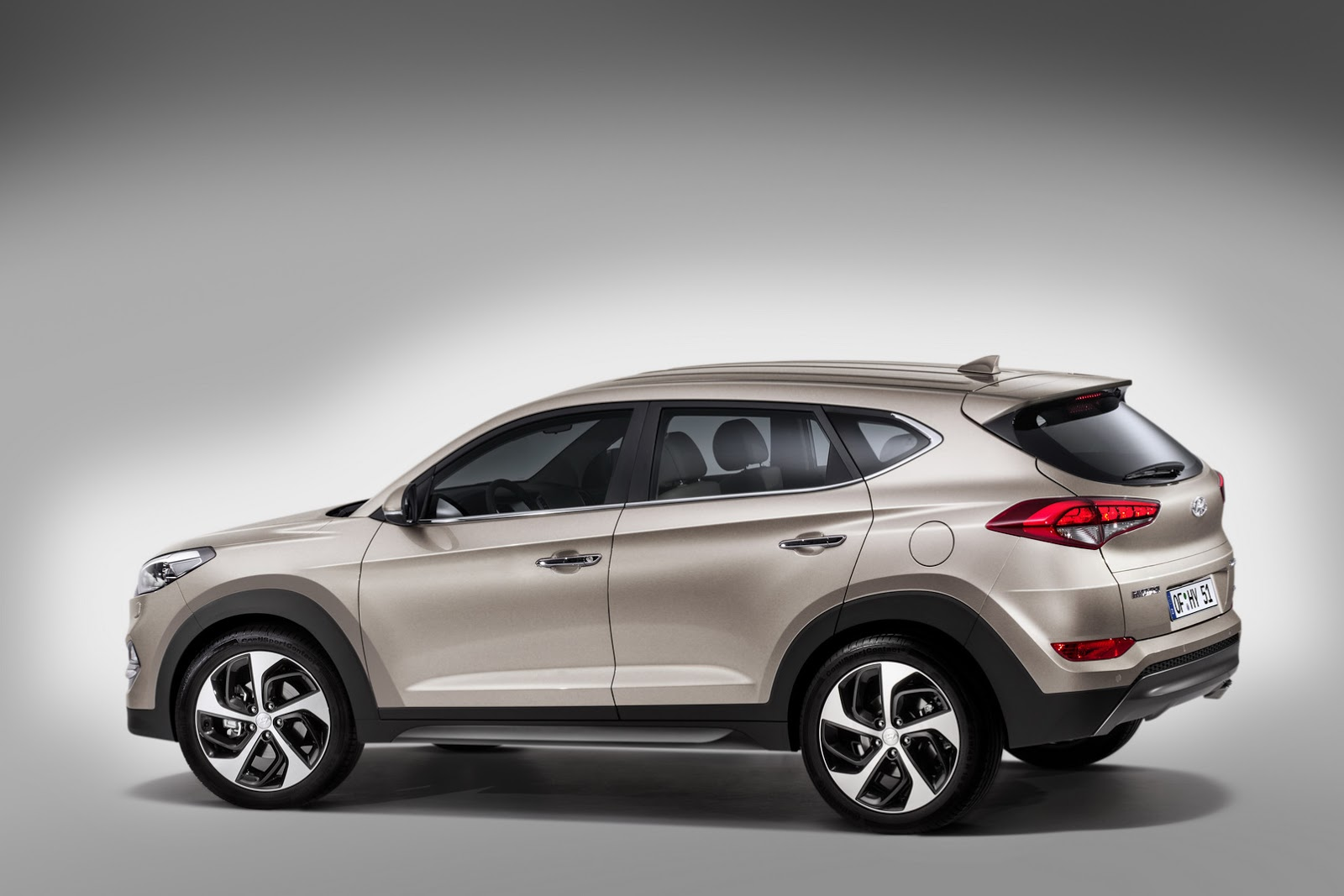 hyundai details new 2016 tucson gets 7 speed dct and 5 engines with up to 184ps carscoops. Black Bedroom Furniture Sets. Home Design Ideas