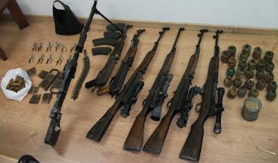 Παράνομο οπλοστάσιο κατασχέθηκε πριν περάσει στα Ελληνικά σύνορα