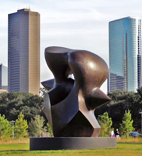 Large Spindle Piece - Bronze sculpture by Moore, Henry (1898 - 1986) in Buffalo Bayou Park