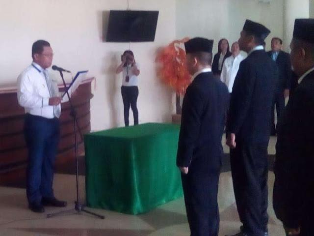 Petrus Fatlolon Lantik 16 Pejabat Desa di Maluku Tenggara Barat