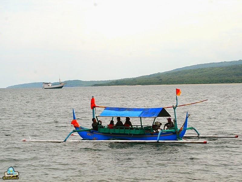 Penyewaan Bahtera Di Pantai Watu Dodol
