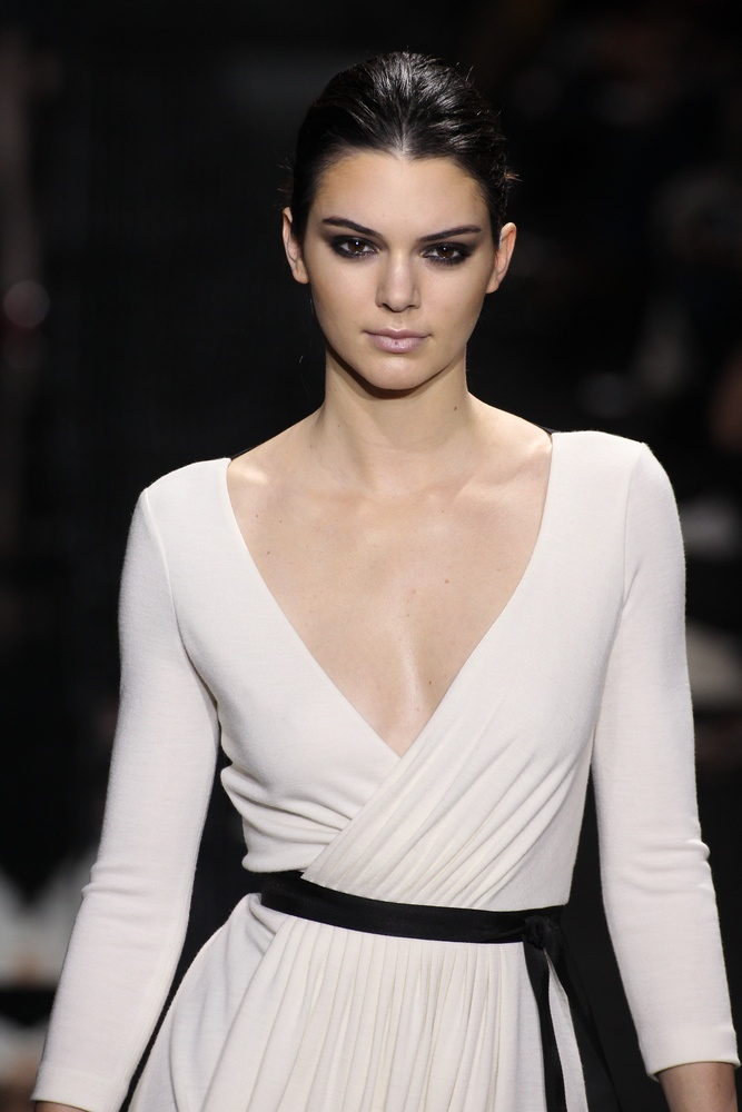 Kendall Jenner Caviar Kaspia Dinner After Pharmacy Stop: Kendall Jenner Bio, Measurements & Pics