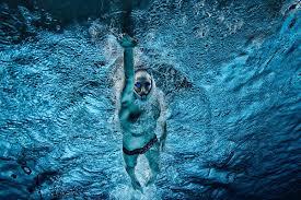 El esfuerzo de nadar no interfiere con la digestión