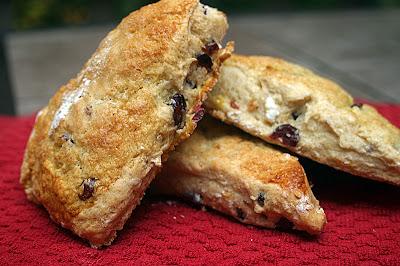 Meatless/Vegan Monday #40: Cranberry-Orange Scones 1