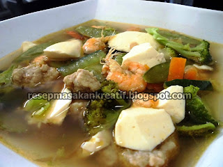 Hidangan kuliner sup memang paling yummy dinikmati dan menjadi santapan Istimewa ketika sudah RESEP SUP BAKSO SAPI UDANG TOFU ENAK