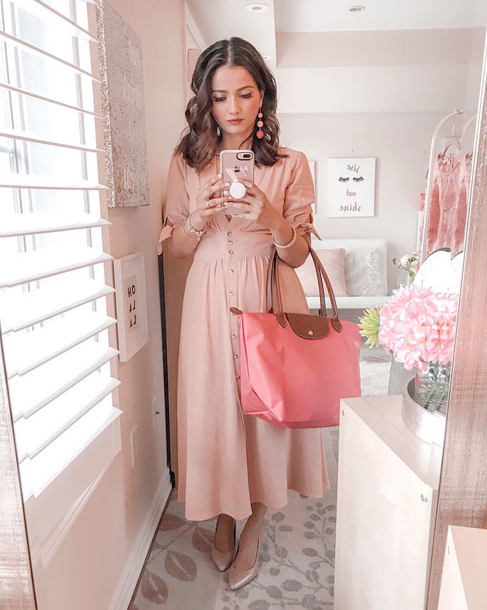 Picture Person Wearing Longchamp Pink Peony Le Pliage Large Tote Blogger Outfit Photo