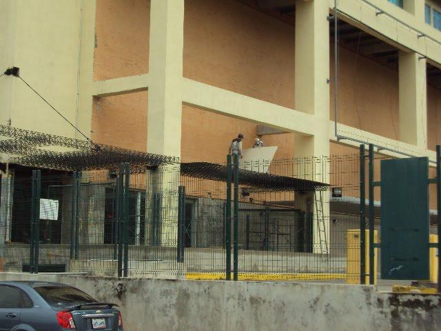 Hotel Cima Barinas Instalacion De Laminas De Plysem En