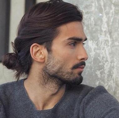 model rambut panjang untuk pria