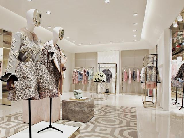 Thiết kế shop quần áo nữ đẹp - Mẫu số 14