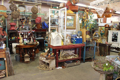 Monticello antique marketplace spring has sprung at monticello for Portland spring home and garden show 2017