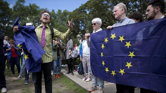 Londinenses protestan contra salida del Reino Unido de la Unión Europea