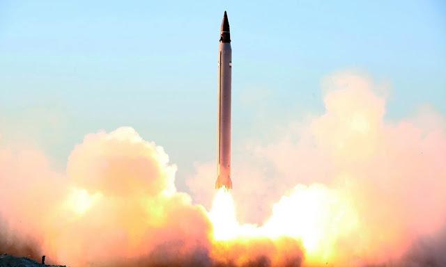 O Irã informou que testou com sucesso um novo míssil de médio alcance, desafiando o presidente dos Estados Unidos, Donald Trump.