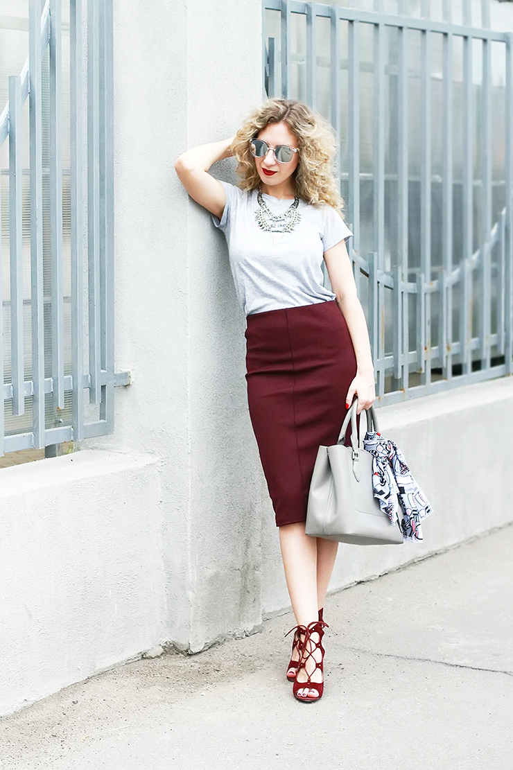 margarita_maslova_marsala_pensil__skirt_silver_glasses_curls_grey_bag
