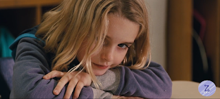 Mckenna Grace jako Mary