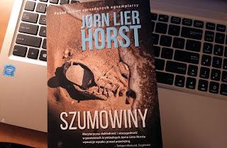 """Na plaży w Stavern, czyli recenzja """"Szumowin""""Jørna Liera Horsta"""