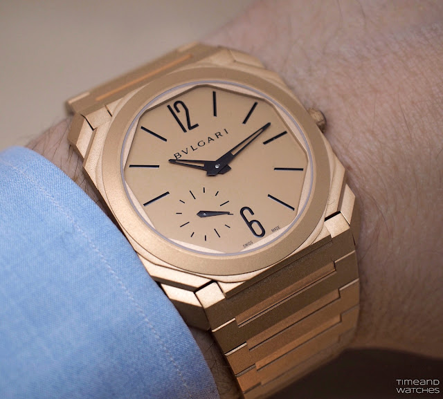 Wristshot of the Bulgari Octo Finissimo Automatic in red gold