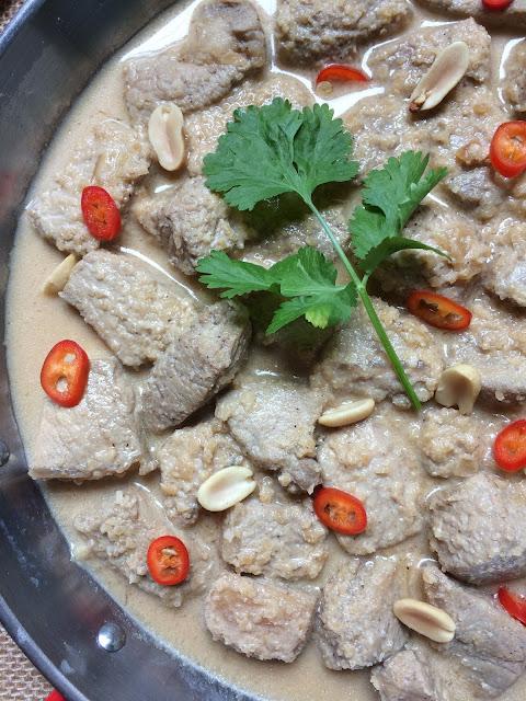 estofado de cerdo con cacahuetes receta