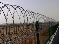 Φτιάχνονται φράχτες στο Αιγαίο όπως στον Εβρο;