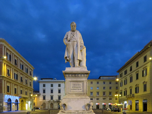 Piazza Cavour at night, Livorno