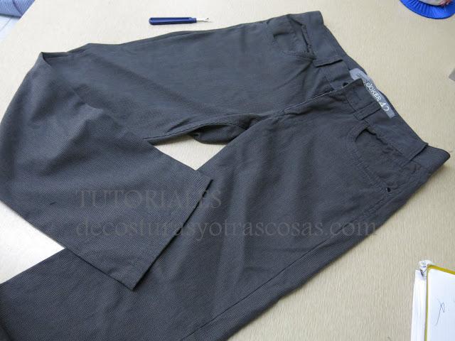 como adaptar un pantalón de hombre a mujer