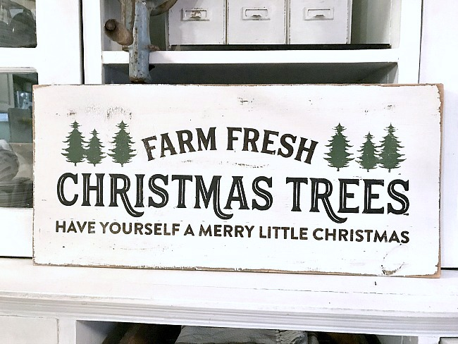 Rustic Farm Fresh Christmas Tree sign for the holidays