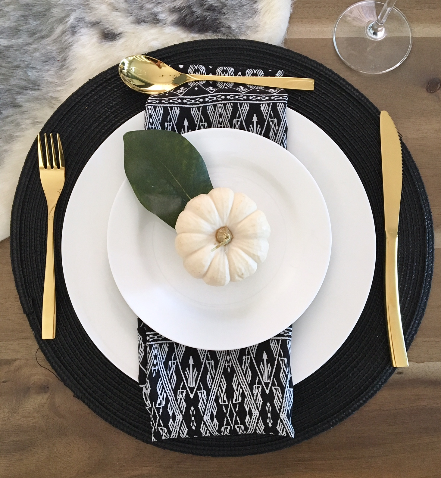 Modern Fall Decor Ideas Harlow And Thistle 6