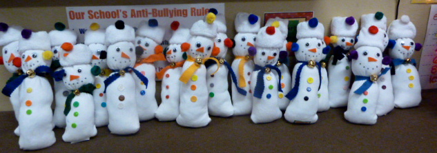 http://tunstalltimes.blogspot.com/2011/12/sock-snowman-gift-and-merry-christmas.html