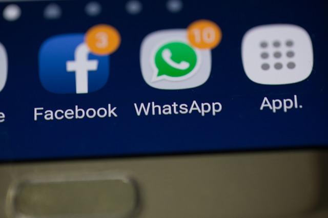 Perbedaan Whatsapp Bisnis Dengan Whatsapp Biasa