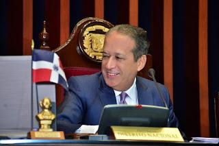 """Pared Pérez califica como """"espectáculo deprimente"""" el incidente provocado por varios diputados en la Procuraduría"""