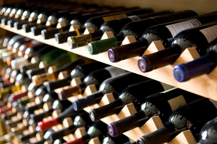 Beautiful Abodes: The Simple Wine Rack