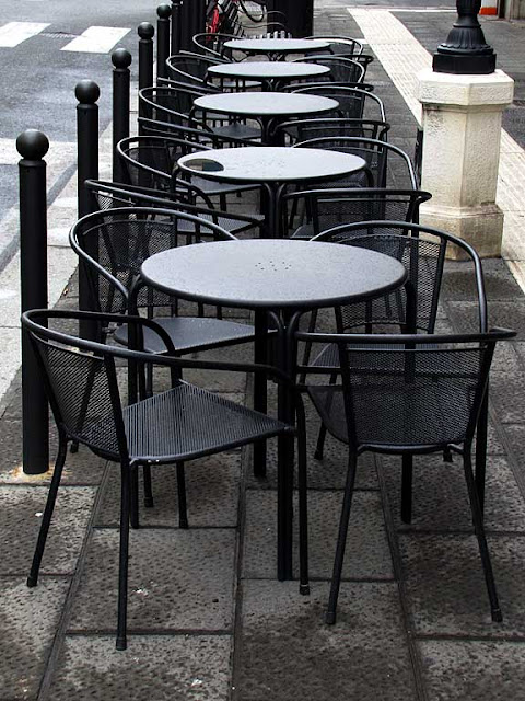 The Bewitched Apple, Chairs and tables on the sidewalk, via Magenta, Livorno