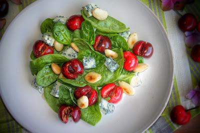 insalata con ciliegie e gorgonzol