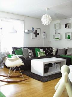 salón estilo nórdico con detalles en verde