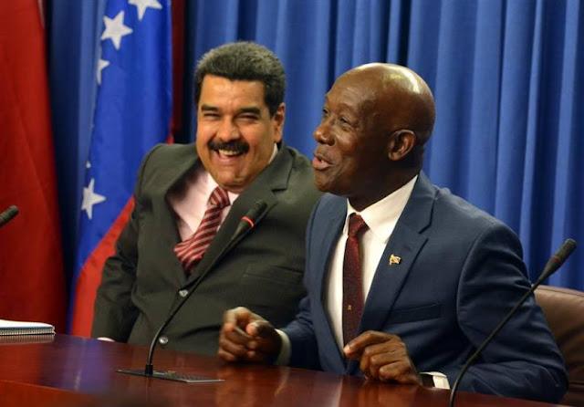 """Exiliados venezolanos declaran """"no grato"""" al primer ministro de Trinidad y Tobago"""