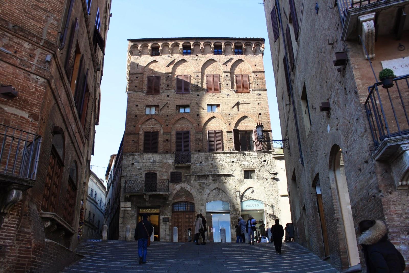 Edificios del centro histórico de Siena